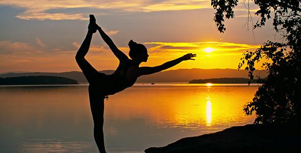 15 Minute Intermediate Evening Calming Yoga Flow