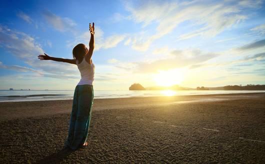 15 Minute Intermediate Morning Wake Up & Go Yoga Flow
